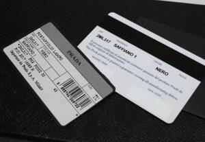 プラダのアウトレット 財布のギャランティー