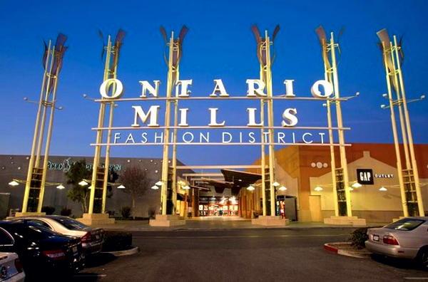 ロサンゼルスの西にある巨大な屋内型アウトレットモール  オンタリオ・ミルズ(Ontario_mills)