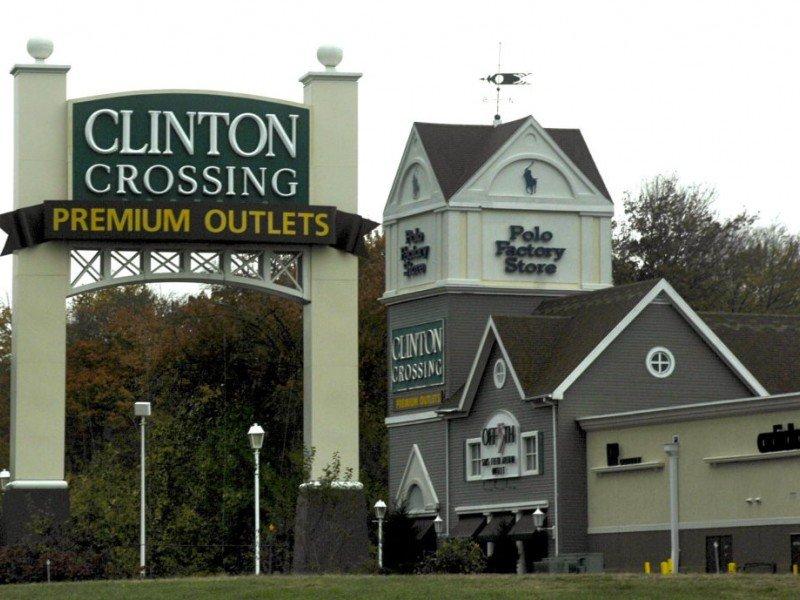 Clinton Crossing Premium Outlets画像2